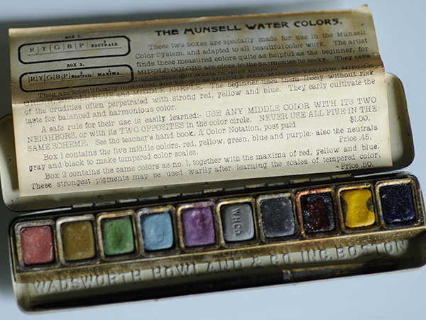 The Munsell Water Colors paint set with 10 colors, a brush and info sheet
