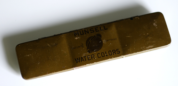 The outside tin of the Munsell Water Colors set