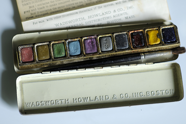 The Munsell Water Color set showing the imprint of the Wadsworth Howland company