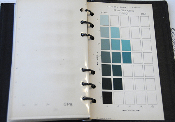 Excerpt from Munsell Book of Color Pocket Edition 10G
