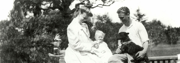 "Franklin D. Roosevelt and Eleanor Roosevelt with baby Anna, and dog, ""Duffy"" (1907)"